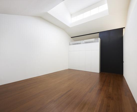 studio-right-empty-lowresweb-2000px-copy